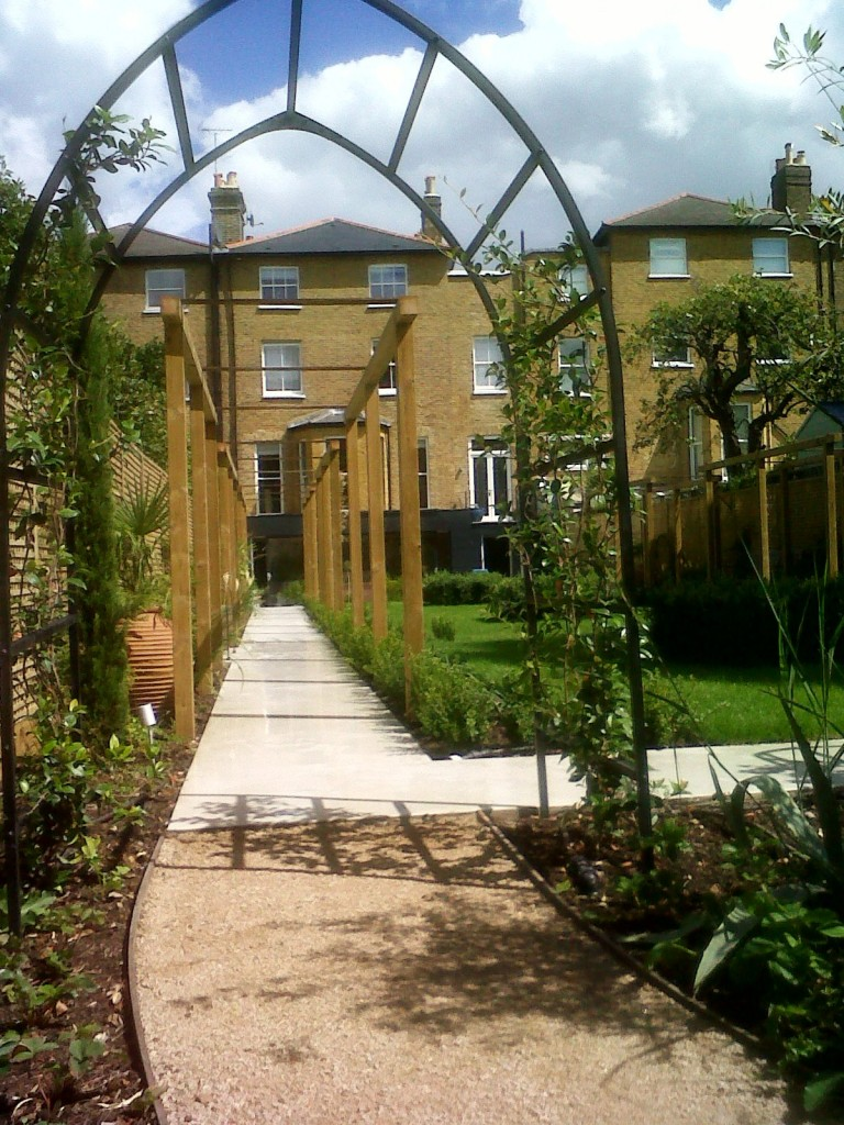 Archway And Pergola Walkway Richmond London Contractor